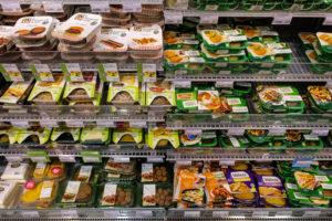 Flinke groei vleesvervangers in supermarkt