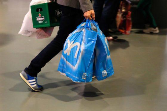 9 op de 10 consumenten shopt met eigen tas