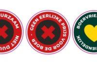 boeren-trekken-supers-in-met-stickers
